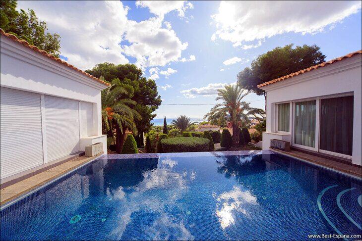 luxury-property-Spain-villa-in-Altea-Hills-02 photo