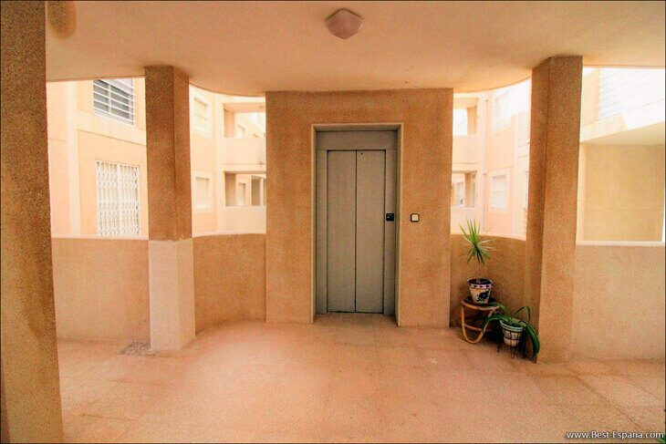 Spanien-Wohnung-mit-einer-großen-Terrasse-und-Ofen-Grill-24 Fotografie