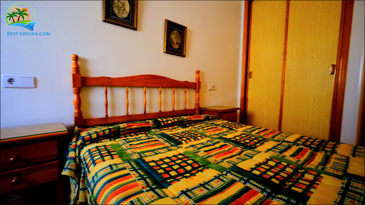 Fastigheter-Spanien-lägenhet-Torrevieja-vid-havet-17 bild