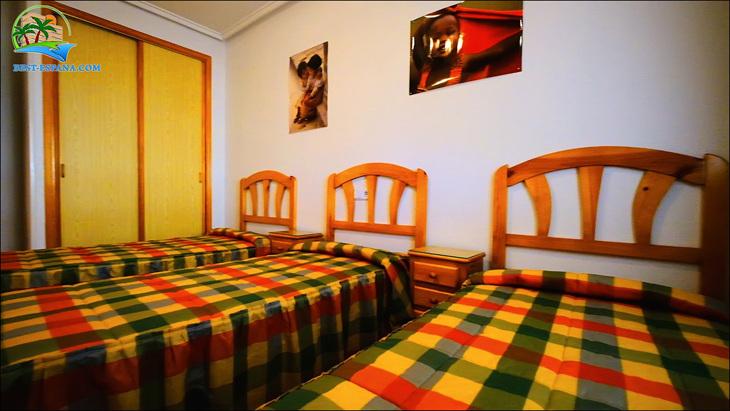 Fastigheter-Spanien-lägenhet-Torrevieja-vid-havet-21 bild