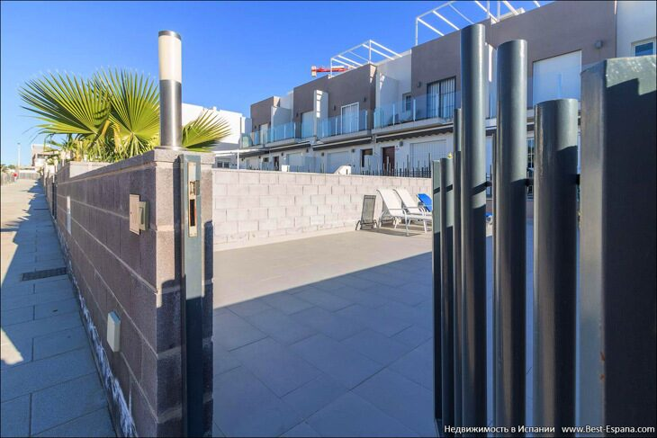 for-sale-townhouse-torrevieja-02 фотография