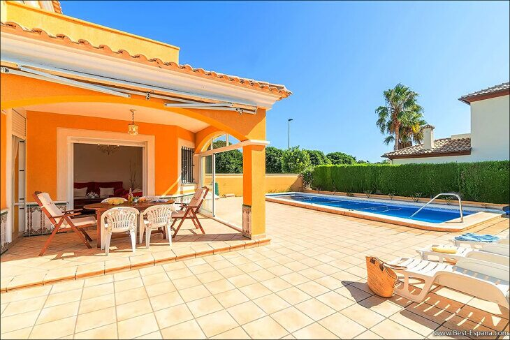 large-villa-in-Spain-property-by-the-sea-05 photo