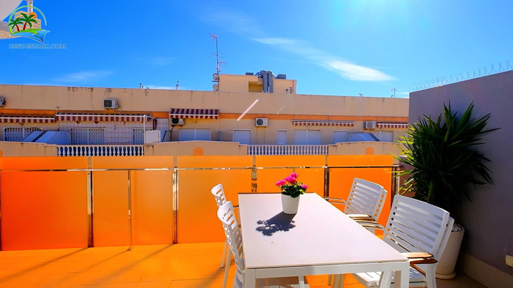 Luxus-Penthouse-in-Spanien-by-the-Sea-09 Foto