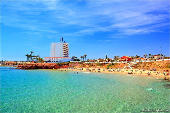 Strand in Spanien für Ferien mit Kindern mit klarem Wasser