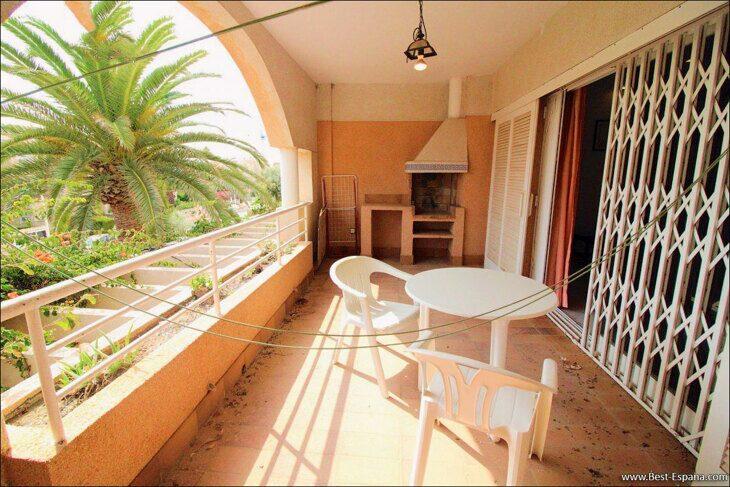 Spanien-Wohnung-mit-einer-großen-Terrasse-und-Ofen-Grill-03 Fotografie