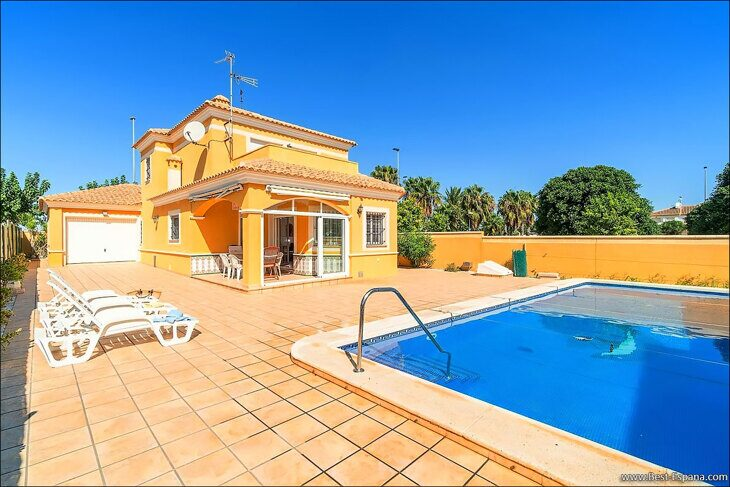 large-villa-in-Spain-property-by-the-sea-04 photo