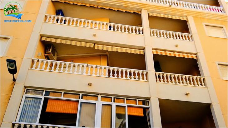 Fastigheter-Spanien-lägenhet-Torrevieja-vid-havet-26 bild