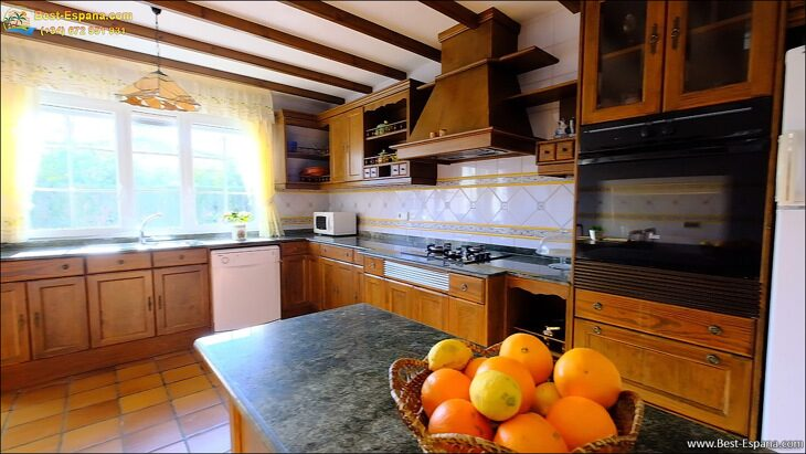 Luxury-villa-in-Spain-by-the-sea-24 photo
