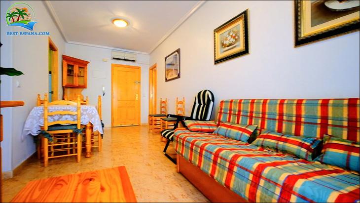 Fastigheter-Spanien-lägenhet-Torrevieja-vid-havet-14 bild