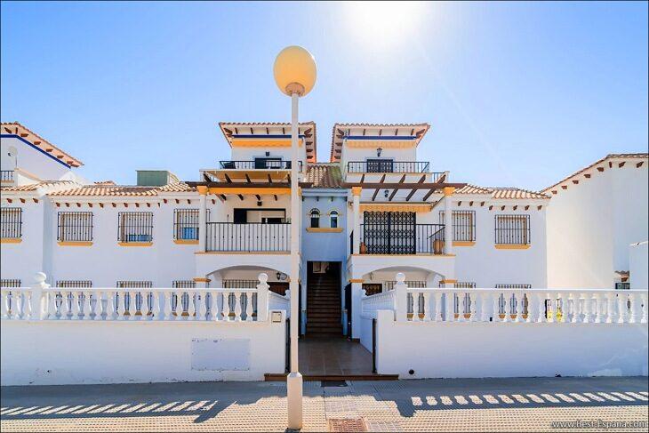 Apartment-penthouse-duplex-in-Spain-49 photo