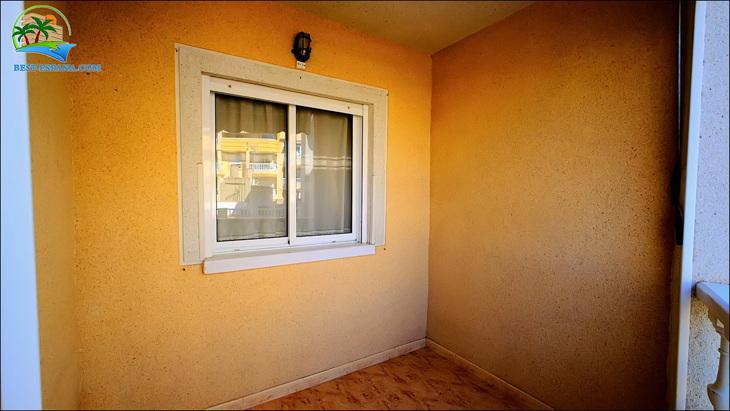 Fastigheter-Spanien-lägenhet-Torrevieja-vid-havet-13 bild