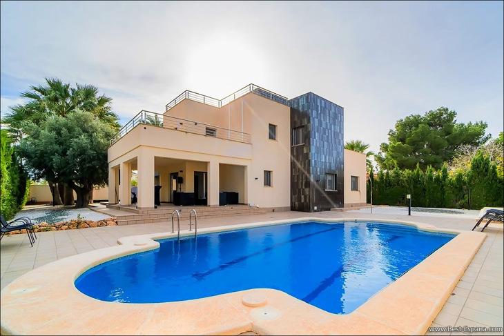 Foto's Luxe villa in Spanje in Cabo Roig
