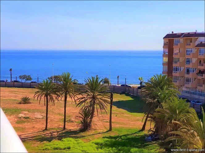 Stock Foto Schöne Wohnung in Spanien mit Meerblick