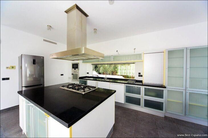 luxury-property-Spain-villa-in-Altea-Hills-11 photo