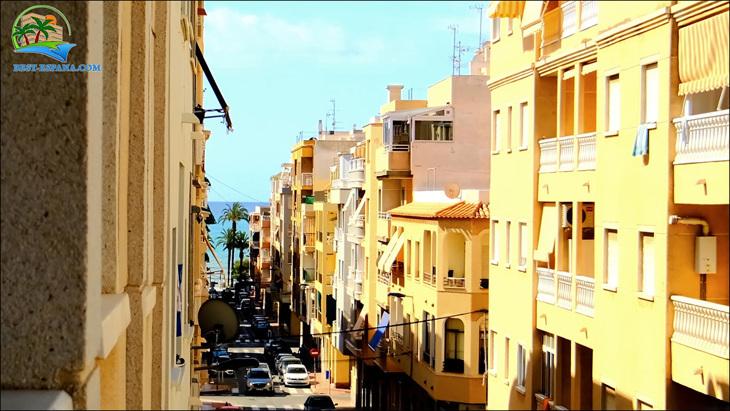 Fastigheter-Spanien-lägenhet-Torrevieja-vid-havet-11 bild