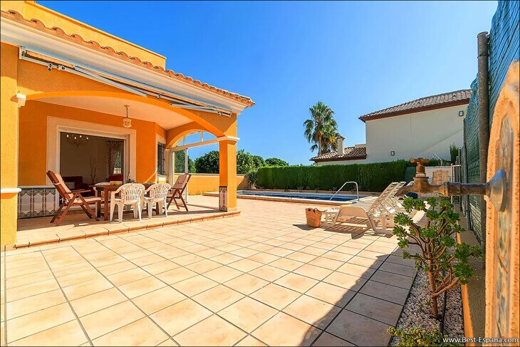 large-villa-in-Spain-property-by-the-sea-06 photo