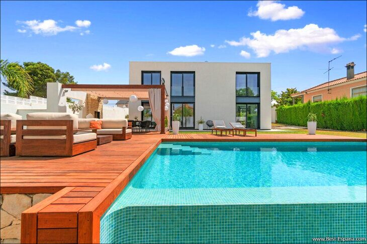 Stock Foto Luxury high-tech villa in Spain