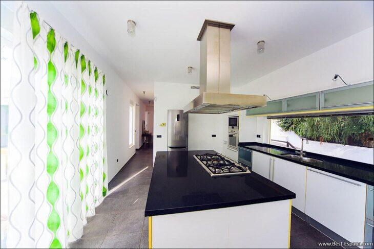 luxury-property-Spain-villa-in-Altea-Hills-16 photo