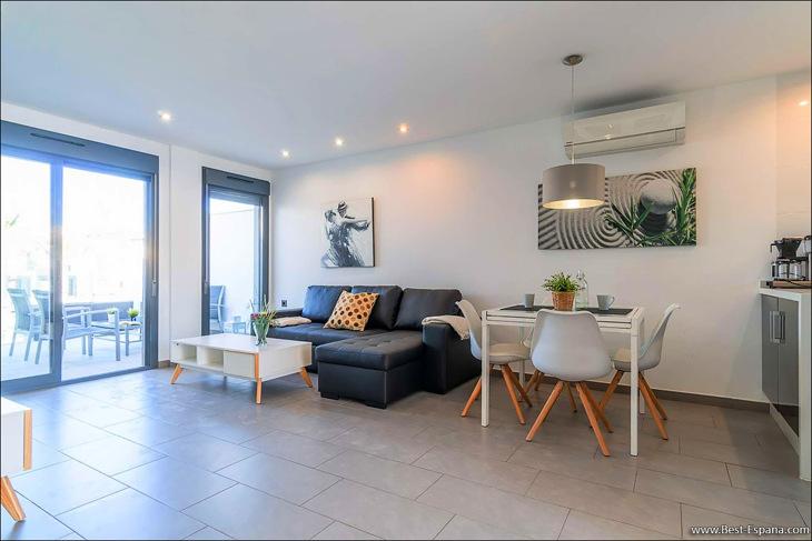 apartment-in-la-Zenia-02 photo