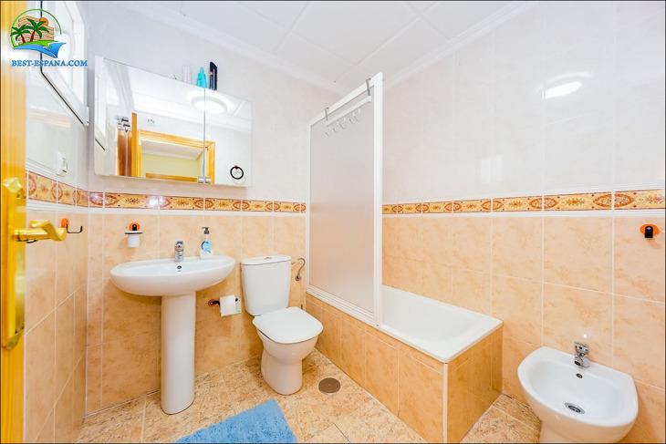 lägenhet i Spanien vid havet Torrevieja 20 foto