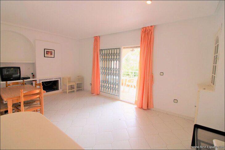 Spanien-Wohnung-mit-einer-großen-Terrasse-und-Ofen-Grill-12 Fotografie