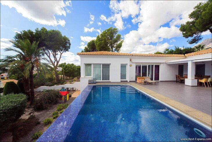 luxury-property-Spain-villa-in-Altea-Hills-03 photo