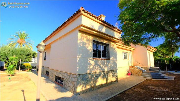 Luxury-villa-in-Spain-by-the-sea-14 photo