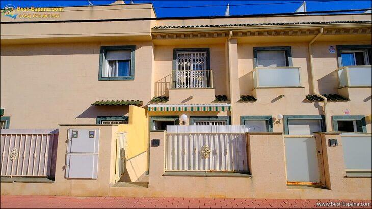 Huis-in-Spanje-aan-zee-02 foto