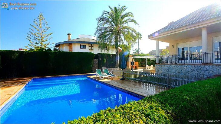 Luxury-villa-in-Spain-by-the-sea-10 photo