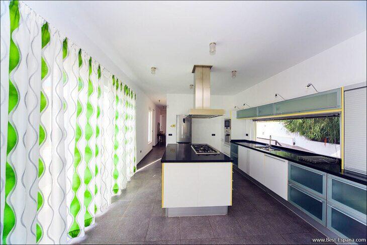 luxury-property-Spain-villa-in-Altea-Hills-15 photo