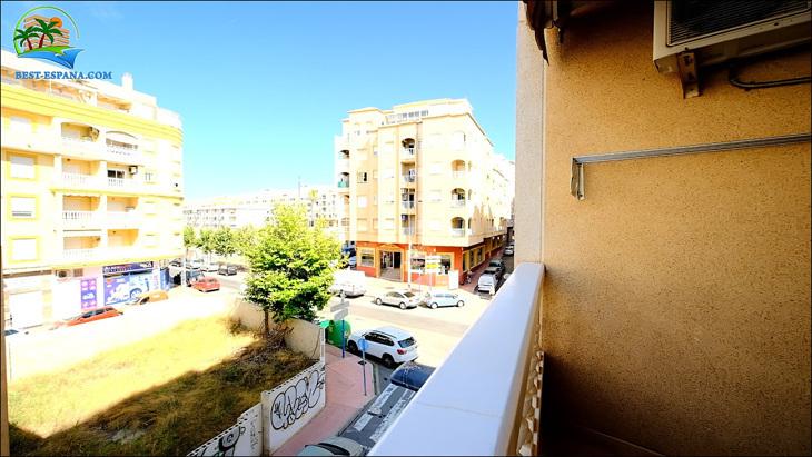 Fastigheter-Spanien-lägenhet-Torrevieja-vid-havet-12 bild