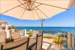 home-in-spain-on-the-sea-first-line-xnumx