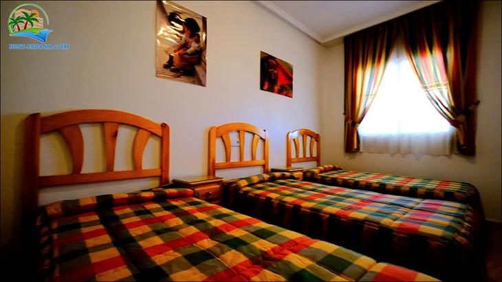 Fastigheter-Spanien-lägenhet-Torrevieja-vid-havet-23 bild