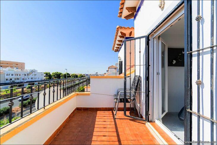 Apartment-penthouse-duplex-in-Spain-26 photo