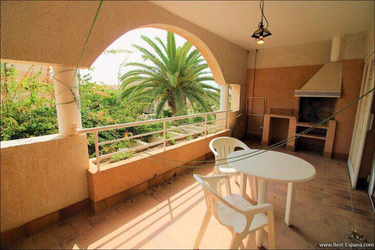 Spanien-Wohnung-mit-einer-großen-Terrasse-und-Ofen-Grill-02 Fotografie