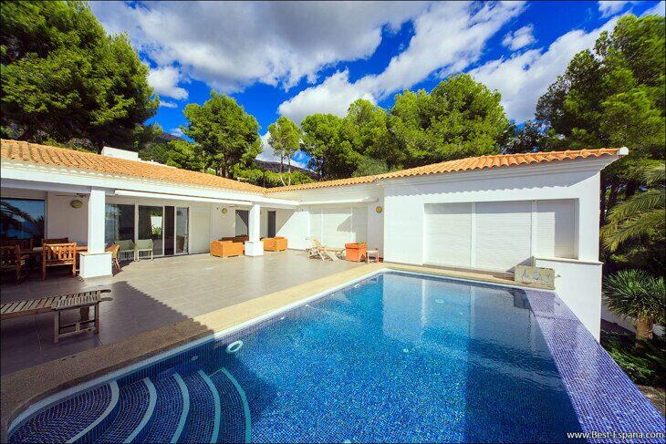 luxury-property-Spain-villa-in-Altea-Hills-05 photo