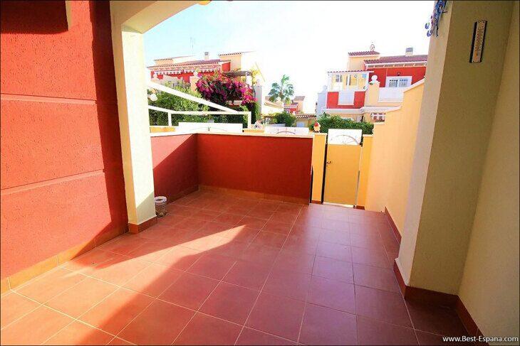 Eigentum in Spanien am Meer, Bungalow in einem Komplex mit einem Swimmingpool 40 Foto