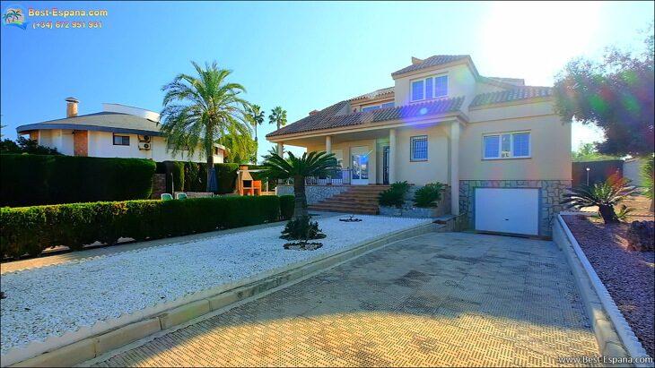 Luxury-villa-in-Spain-by-the-sea-16 photo