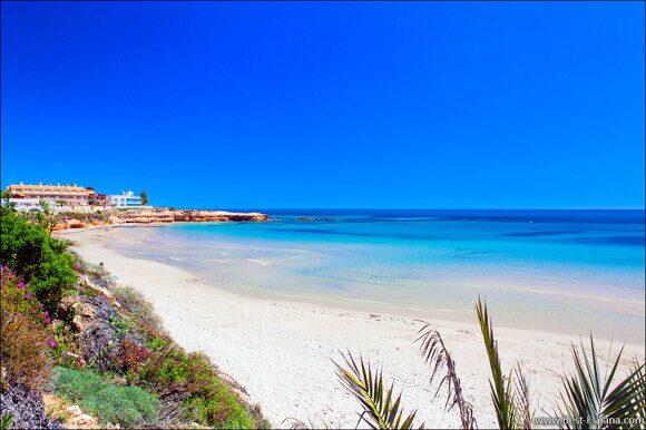 24-Strand-in-Spanien-mit-Sand