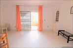 Spanien-Apartment-mit-einer-großen-Terrasse-und-Ofengrill-13