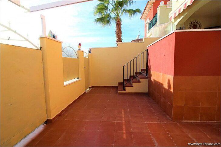 Eigentum in Spanien am Meer, Bungalow in einem Komplex mit einem Swimmingpool 46 Foto