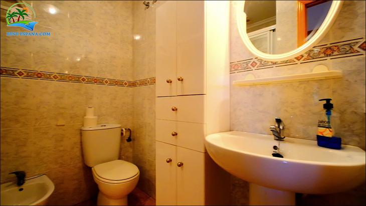 Fastigheter-Spanien-lägenhet-Torrevieja-vid-havet-19 bild
