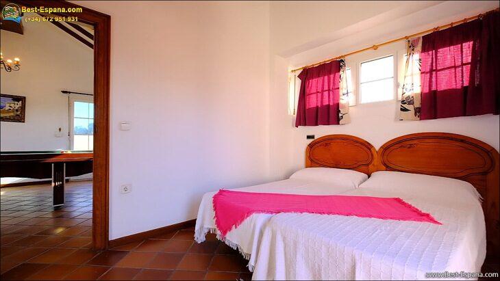 Luxury-villa-in-Spain-by-the-sea-45 photo