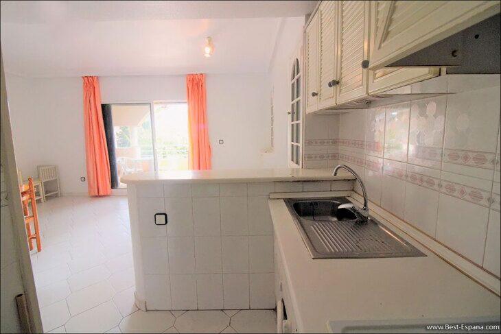 Spanien-Wohnung-mit-einer-großen-Terrasse-und-Ofen-Grill-11 Fotografie