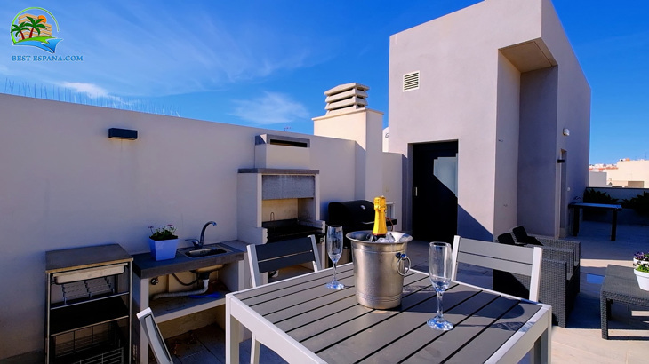 Luxus-Penthouse-in-Spanien-by-the-Sea-27 Foto